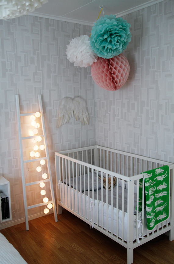 inspirera mera inspireramera inredning blogg design happy lights änglavinge pompoms ullfilt